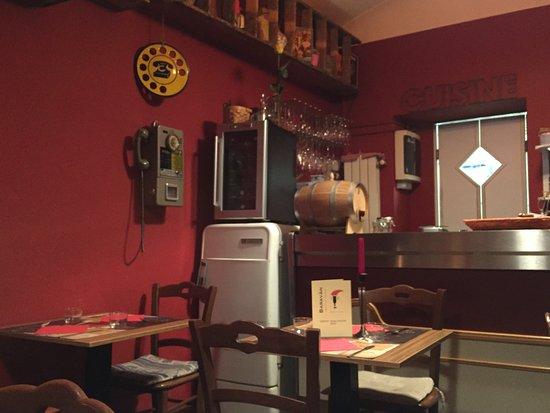 Angolo del ristorante stile retr picture of baravan ristorante cucina e cantina turin - Cucina e cantina ...