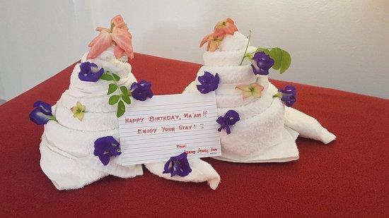 Island Jewel Inn: Hotel birthday greetings!