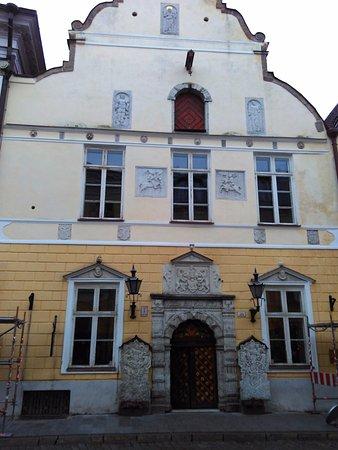 Tallinn City Tour : Дом братства Черноголовых