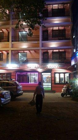 Hotel Navratna Deluxe