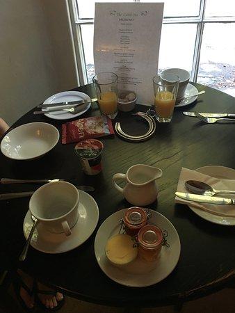 Shipton under Wychwood, UK: Breakfast