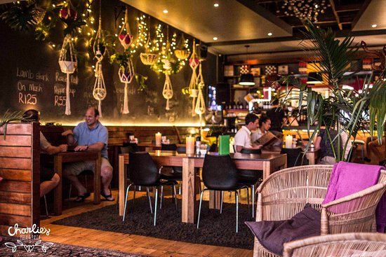 Charlies Pizza & Pasta Summerstrand: Always a warm welcome
