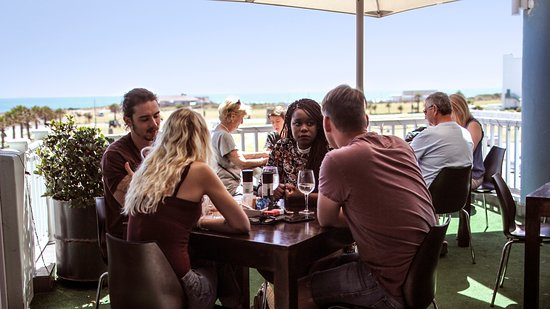 Charlies Pizza & Pasta Summerstrand : Enjoy the sea view from our balcony