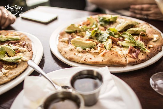 Charlies Pizza & Pasta Summerstrand: Each Pizza is perfectly crafted from scratch
