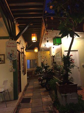 Sabuy Chiangmai Bed and Breakfast: ด้านหน้าห้องพัก