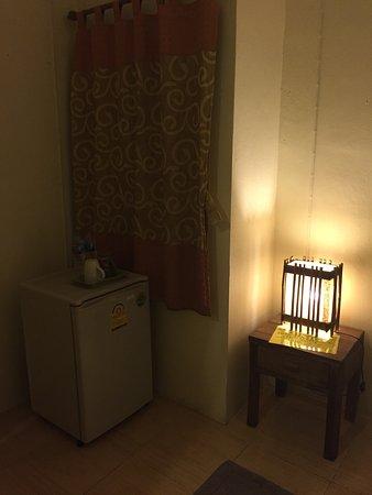Sabuy Chiangmai Bed and Breakfast: มุมตู้เย็นเล็กๆ