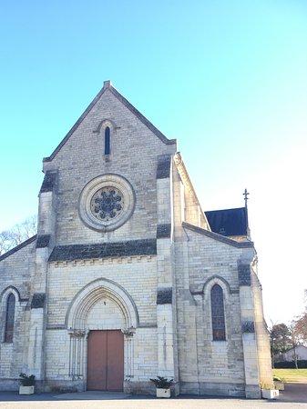 l'Eglise Sainte-Therese et Sainte Jeanne-d'Arc des Rocs