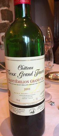 Cesson-Sevigne, France: excellent vin sur les conseils du chef