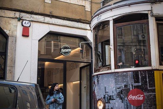Pizzeria Romana al Taglio: The famous Tram 28 stops close by us