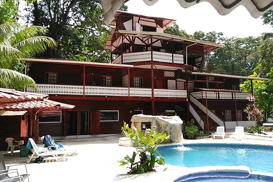 Selina updated 2018 hostel reviews price comparison for Costa rica home prices