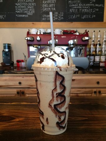 Navasota, Teksas: Mocha frappe with whipped cream and drizzle, awesome!