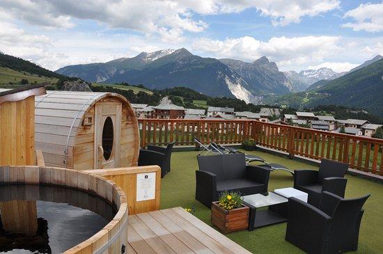L'hotel du Soleil : espace bien etre extérieur