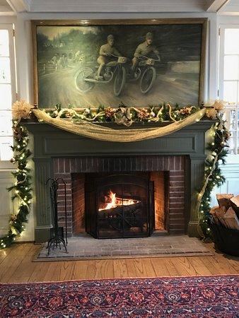 St. Michaels, Maryland: Fireplace Pursers Pub