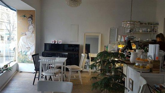 Photo of Restaurant Allergiker Cafe at Wiedner Hauptstrasse 35, Vienna 1040, Austria