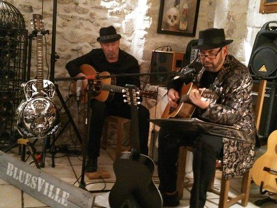Carpentras, France : Le groupe Bluesville .