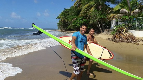 Puntas Surf School: Me and my instructor finishing the lesson.