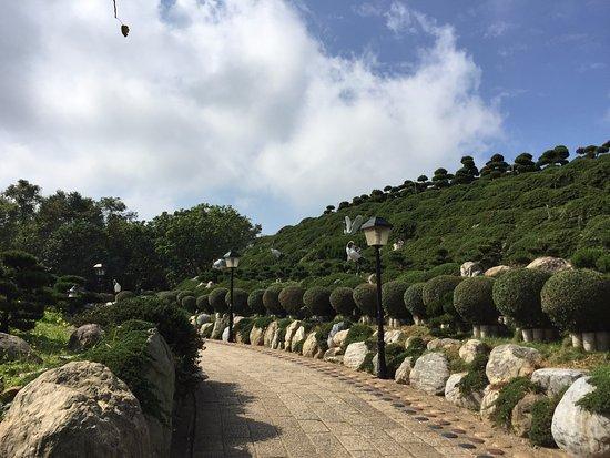 Jiu Hua Shan Da Xing Shan Temple - Tongluo