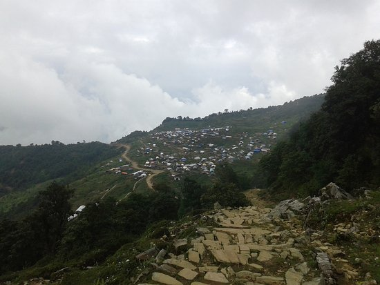 Gorkha, Népal : The new laprak settlement when you come from Barpak