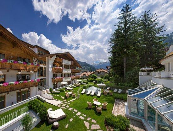 Hotel Gardena Grodnerhof: Garden