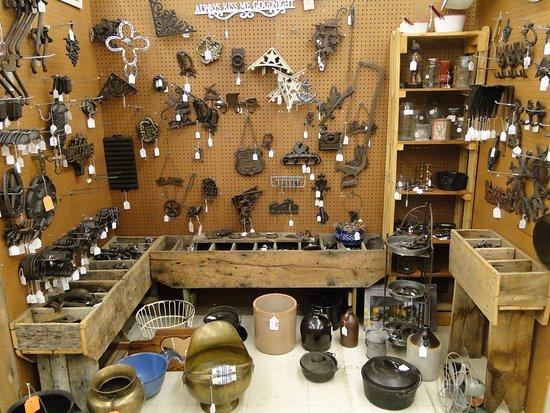 Mikes Unique, Collectable & Antique Flea Market