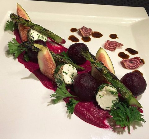 Fall River, Канада: Beet and Fig Salad