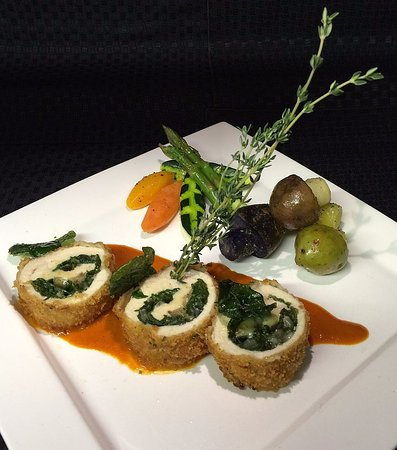 Fall River, แคนาดา: Breaded Chicken Roulade