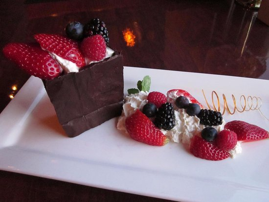 Fall River, Canada: Chocolate Bag Dessert
