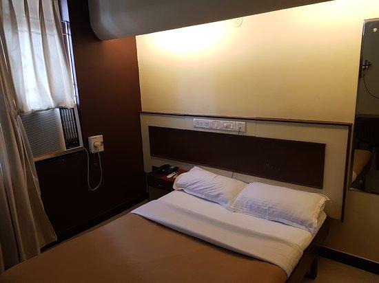 Hotel Satyaheera: 20161231_095048_large.jpg