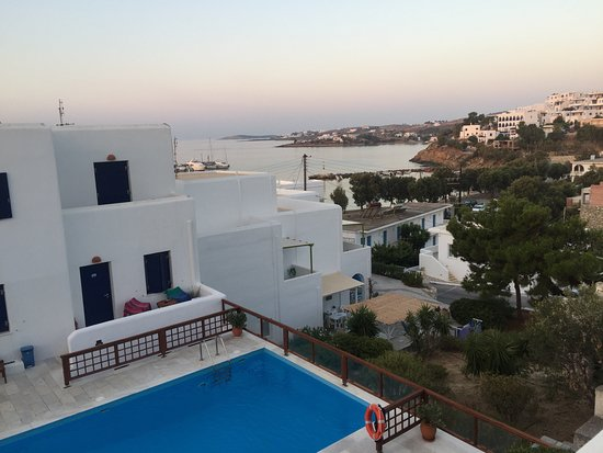 Piso Livadi, Greece: View from our second floor room towards the town beach. Just lovely!