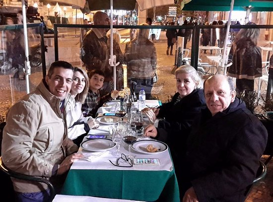 Restaurante Cervejaria Pinoquio: Com dois grandes amigos brasileiros que gostam de basquete e que moram em Lisboa há 15 anos.