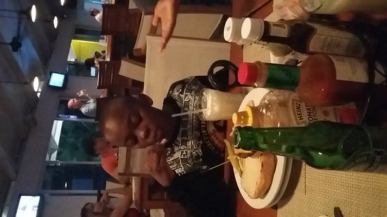 Big Game Club Bar & Grill: 20161225_174936_large.jpg