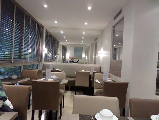 Floride Etoile Hotel: Café da manhã