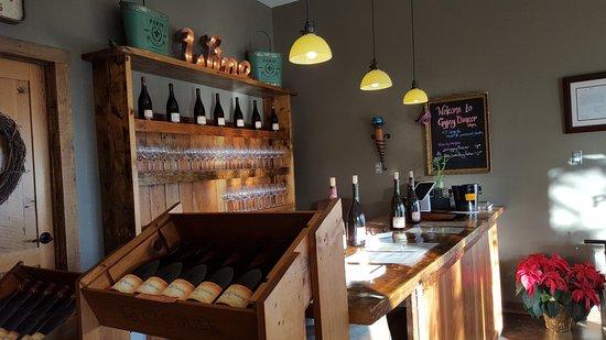 Carlton, Орегон: Tasting counter