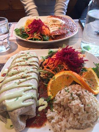 Cafe Lola Rosa : Burrito & Quesadilla Plates