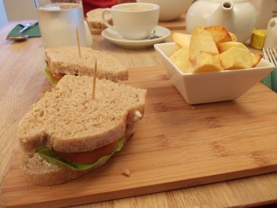 TLT sandwich on wholemeal sourdough with fried potatoesMen - Picture ...