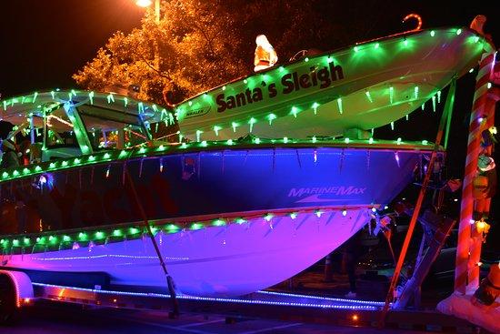 downtown pensacola christmas light parade 2016