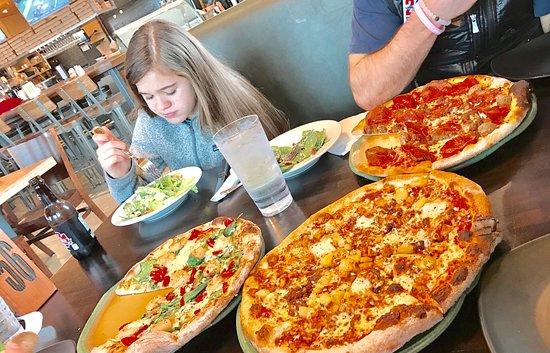 Λόρενς, Κάνσας: Healthy tasty and the kids were FULL..!