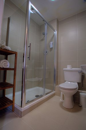 Lucan, Irlanda: Bedroom Ensuite