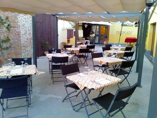 Foiano Della Chiana, Italia: la nostra sala all'aperto,per cenare d'estate