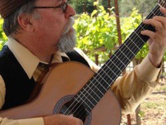 Yreka, Kalifornien: Classical guitarist Kevin McDowell