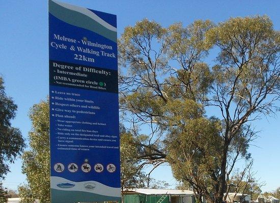Melrose, Australia: Starting Sign
