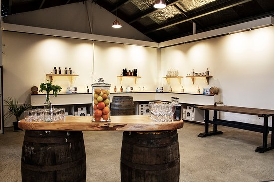 Takaka, Nova Zelândia: Our tasting room and shop