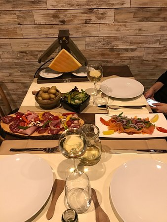 Strassen, Luxembourg : Raclette traditionnelle : excellente