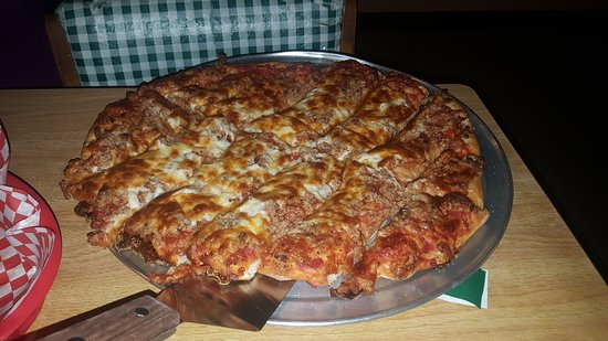 Munster, Indiana: Wednesday, January 04th,2017 Family Style Italian. Just like the Original John's Pizzeria in Cal
