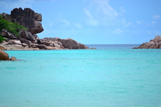 Wyspa Praslin, Seszele: Turqoise water and beautiful scenery. Does one need more?