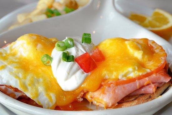 เลกฟอเรสต์, อิลลินอยส์: Eggs Arlington