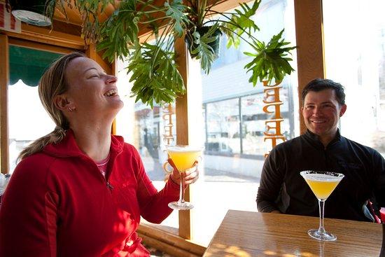 Carrabassett Valley, ME: Enjoying drinks in Gepetto's sun room.