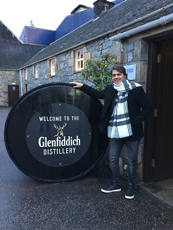 Dufftown, UK: We have visited the Distillery during winter time ! Well... I can say that even not being a supe