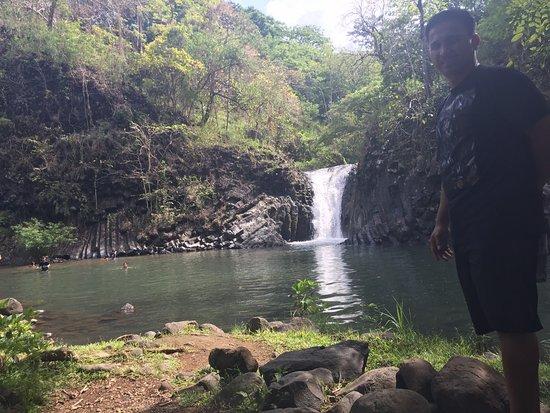 Pilar, Filippijnen: Falls