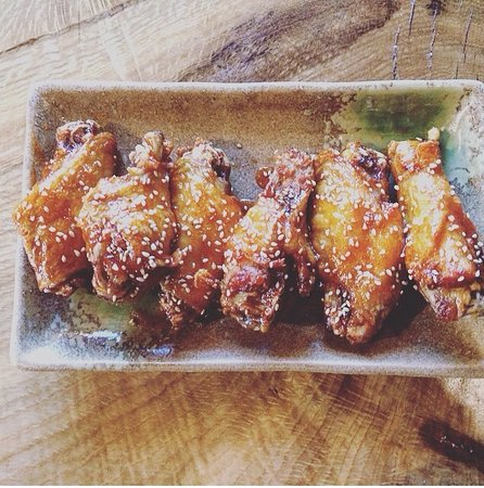East Hampton, NY: Tebasaki Chicken Wings